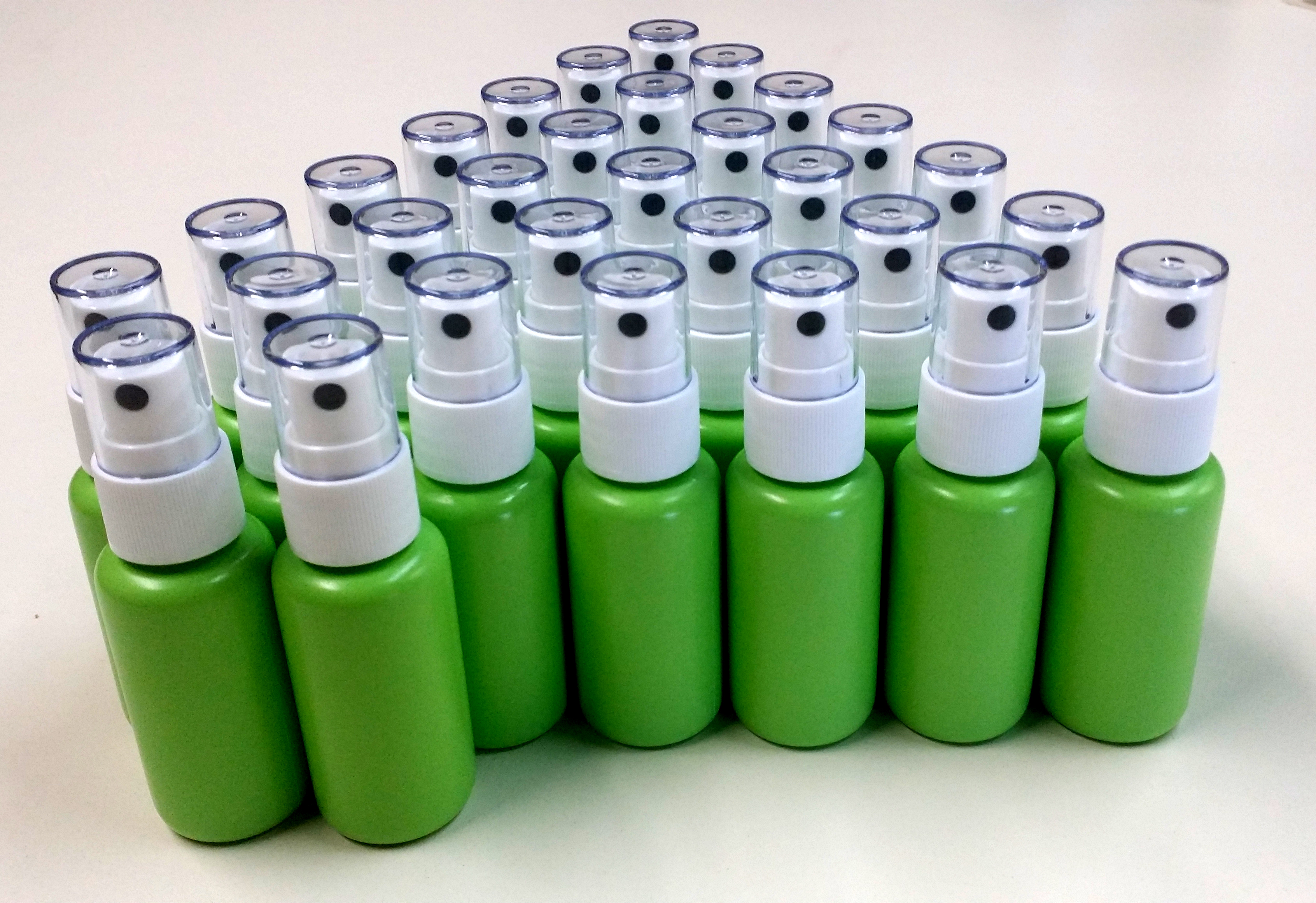 1.25 oz Green bottle with white fine mist sprayer (30-PACK)